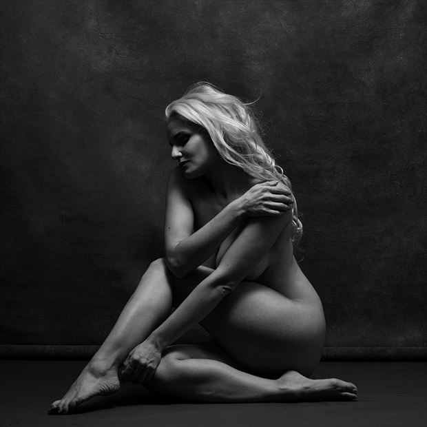 femme artistic nude photo by photographer eye lens light