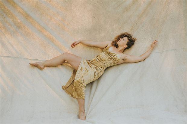 figure study experimental photo by model madeline reynolds