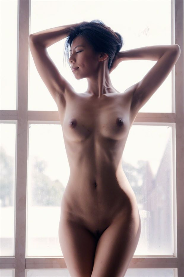 figure study natural light photo by photographer andrew harewood