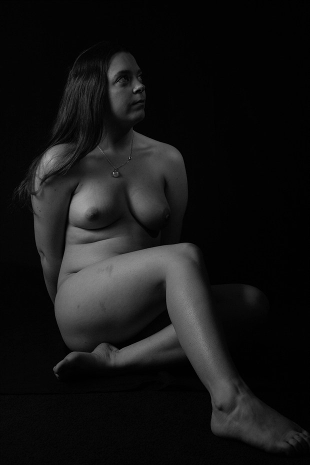 fixed gaze Artistic Nude Photo by Photographer LookingGlassProject