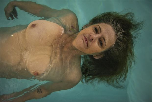 floating artistic nude photo by photographer vwatkins