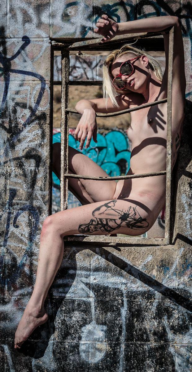 framed artistic nude photo by photographer darth slr