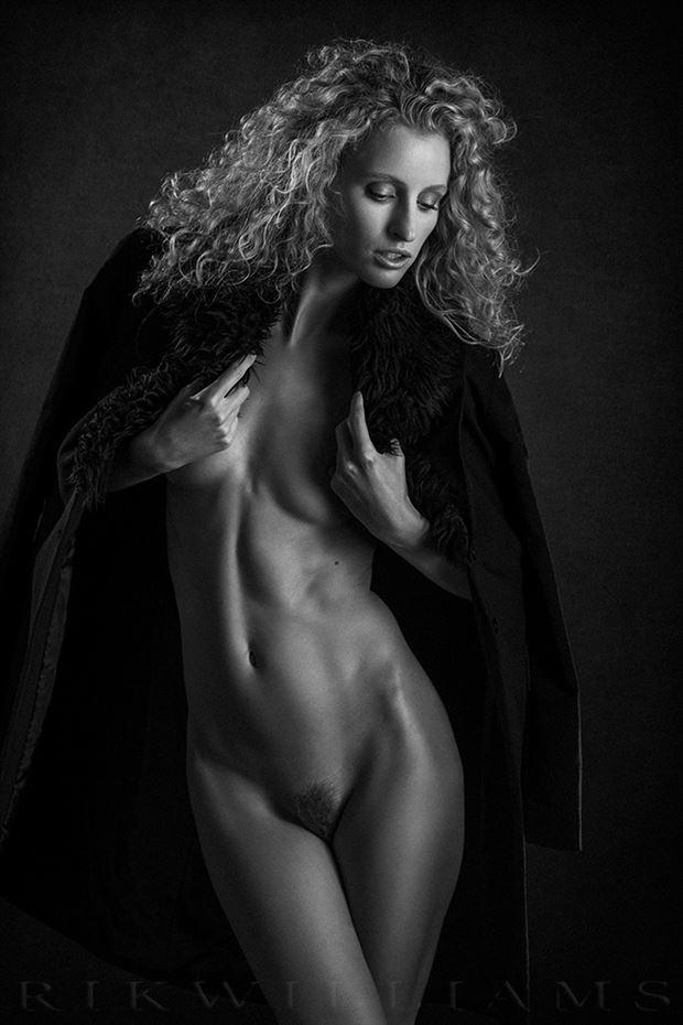 fredau in oz artistic nude photo by photographer rik williams