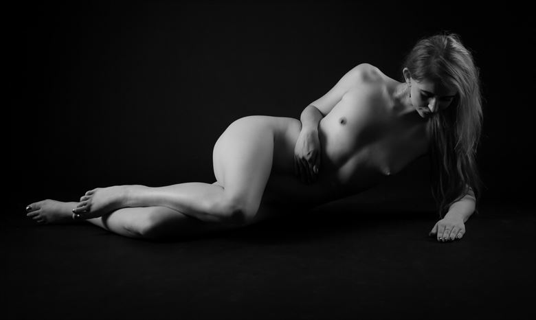 front Artistic Nude Photo by Photographer Allan Taylor