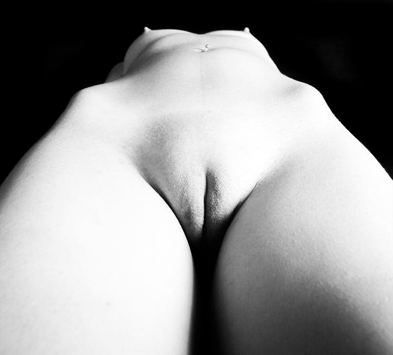 frontwise artistic nude photo by photographer turcza hunor