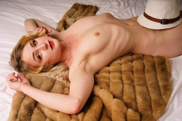 gangster s paradise artistic nude photo by model cali laine
