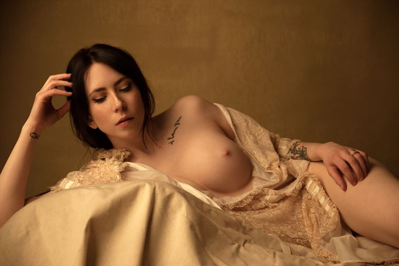 gates artistic nude photo by photographer mikegthehotog