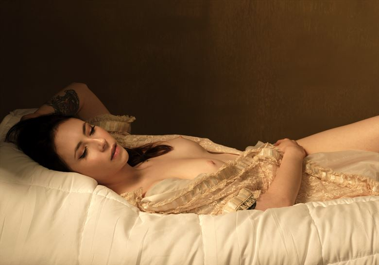 gates bed artistic nude photo by photographer mikegthehotog