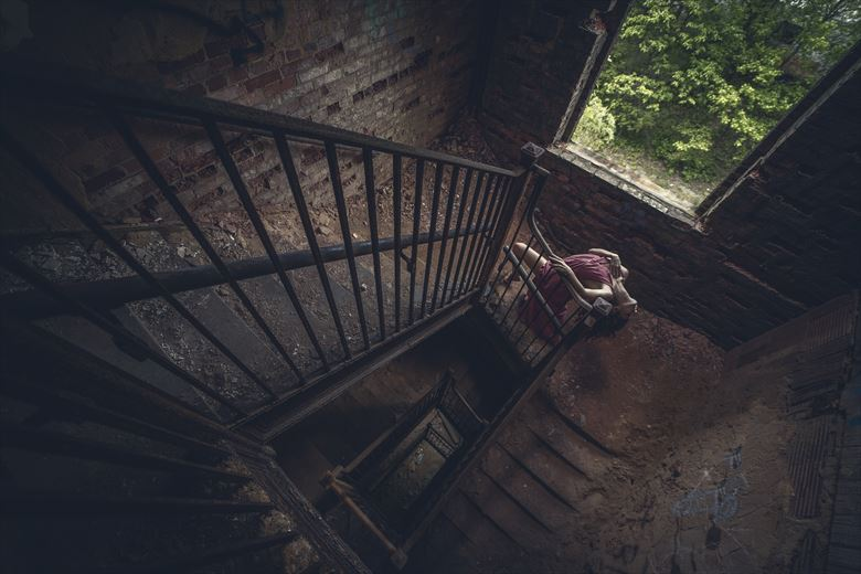 get lost architectural photo by model morganagreen