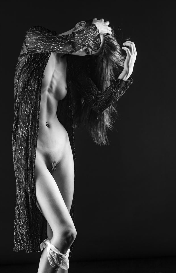 getting ready artistic nude photo by photographer mslygh
