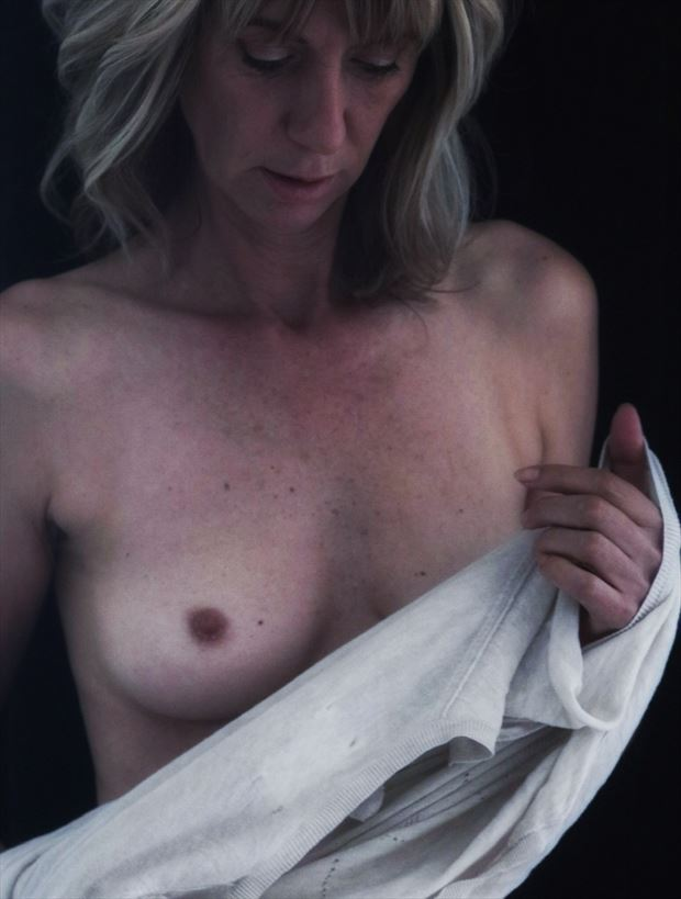 getting ready for shoot artistic nude photo by photographer dvan