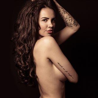 glamour implied nude photo by photographer alexcadelphoto