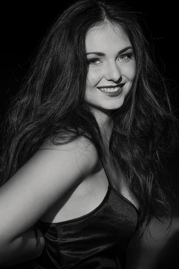 glamour portrait photo by model lisa elias
