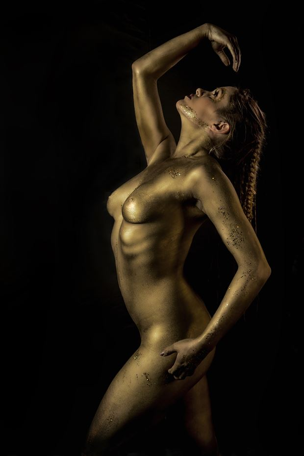 gold artistic nude photo by photographer ken greenhorn