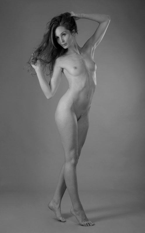 gracefully nude artistic nude photo by photographer anders bildmakare