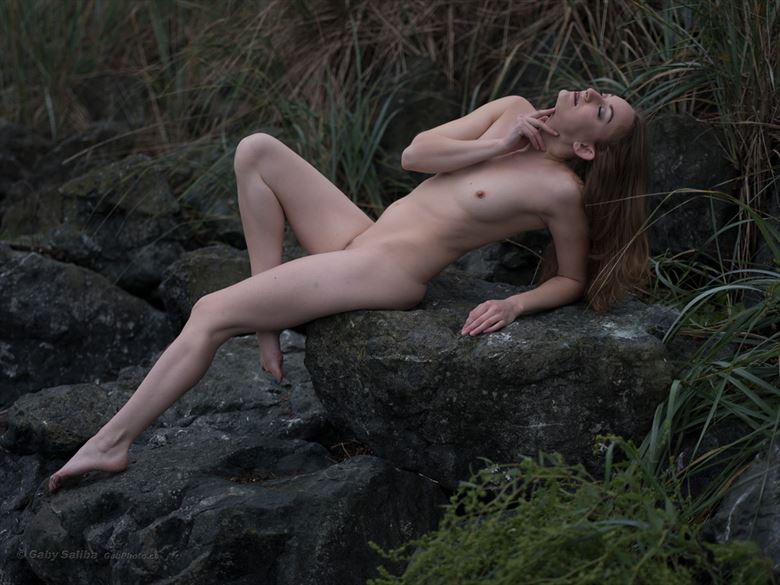 grasslands artistic nude photo by model fearra lacome