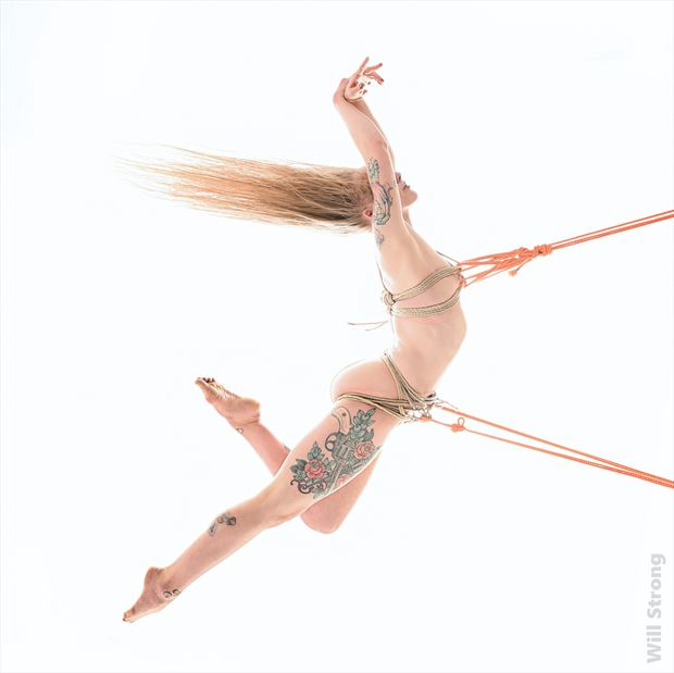 hailey in flight artistic nude photo by photographer yb2normal