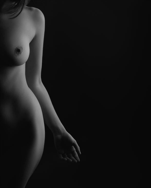 half naked artistic nude photo by photographer alejandro vaccarili