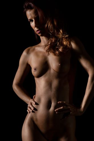 hands on hips artistic nude photo by photographer bill cole