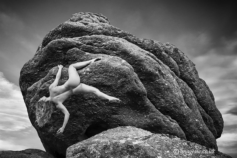 hanging out Artistic Nude Photo by Photographer imagesse