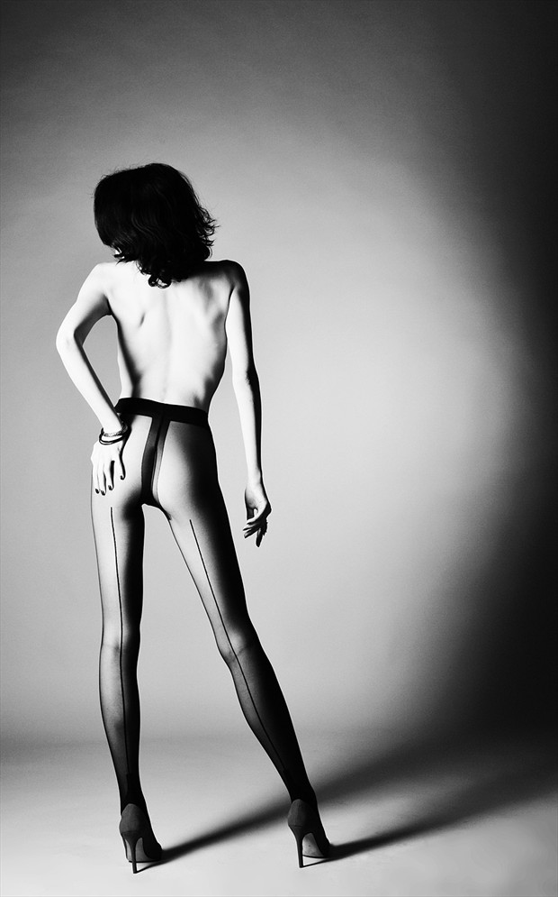 hard light Artistic Nude Photo by Photographer mochulski