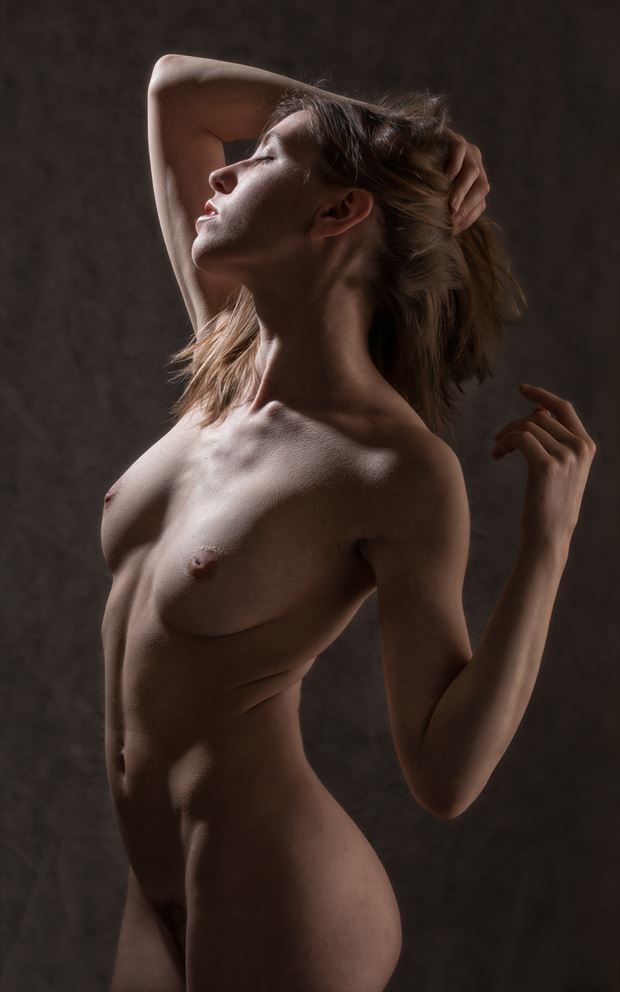 heads up artistic nude photo by photographer rick jolson