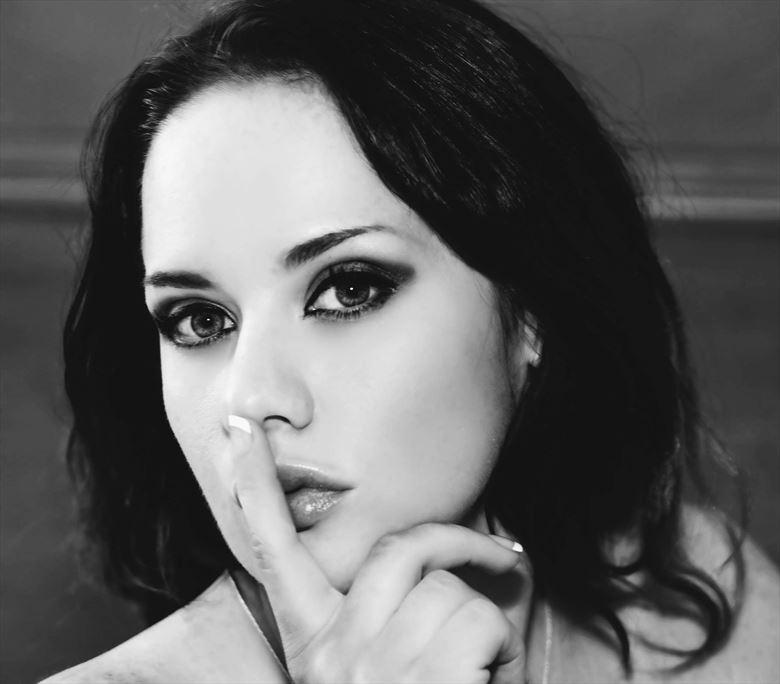 headshot erotic photo by model amandaelle