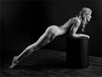 helen 3 artistic nude photo by photographer dave belsham
