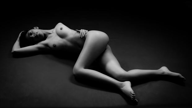 helix artistic nude photo by photographer allan taylor
