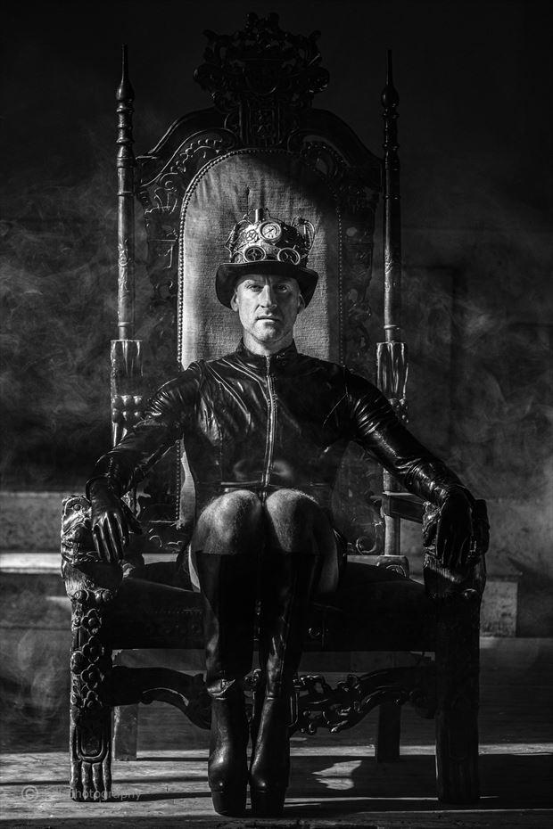 her majesty awaits cosplay photo by photographer jbdi