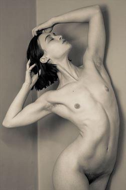 heroic standing nude artistic nude artwork by photographer risen phoenix