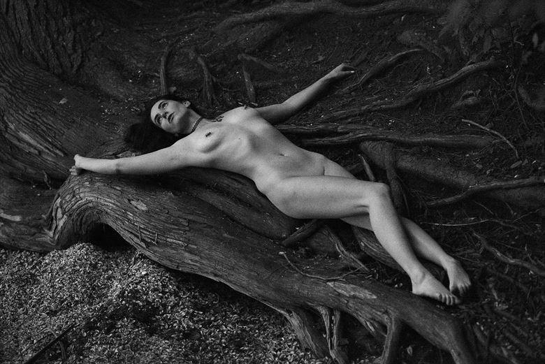 hidden place 3 artistic nude photo by photographer wksbyks