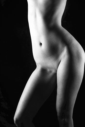 hips artistic nude photo by photographer deimos
