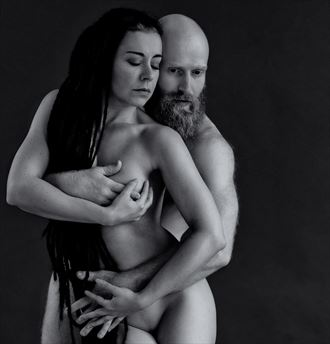 hold me artistic nude photo by photographer benernst