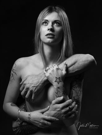 holding on artistic nude artwork by photographer justin snikon