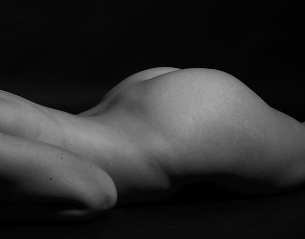 human body range artistic nude photo by photographer thomas branch