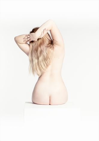 human body sensual photo by photographer tommipxls