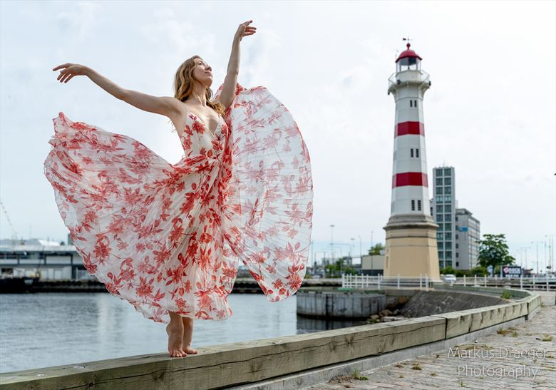 i am flying fashion photo by photographer mdraeger