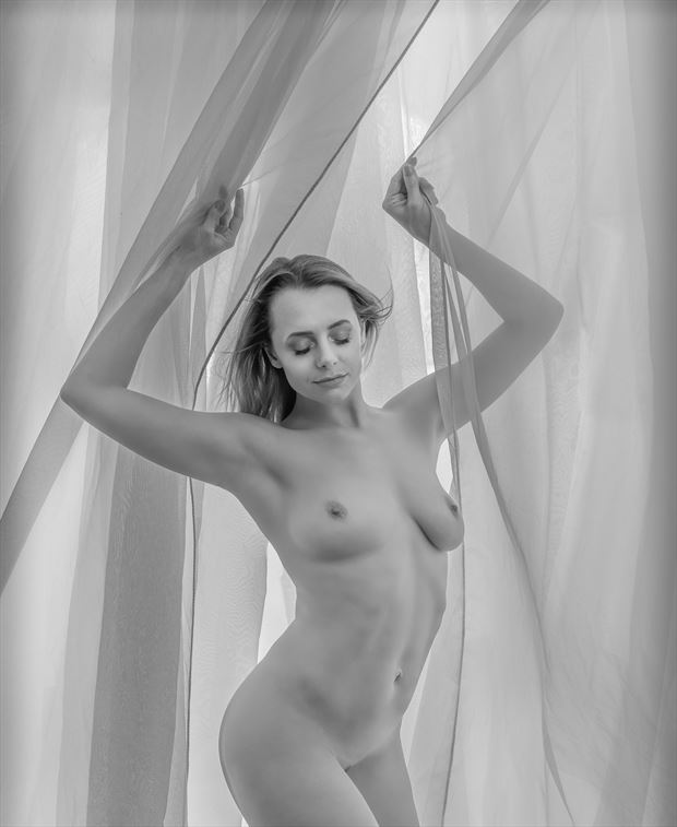 i once was dressed artistic nude photo by photographer mikeal brecks