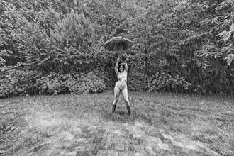 i will survive artistic nude photo by artist hybryds