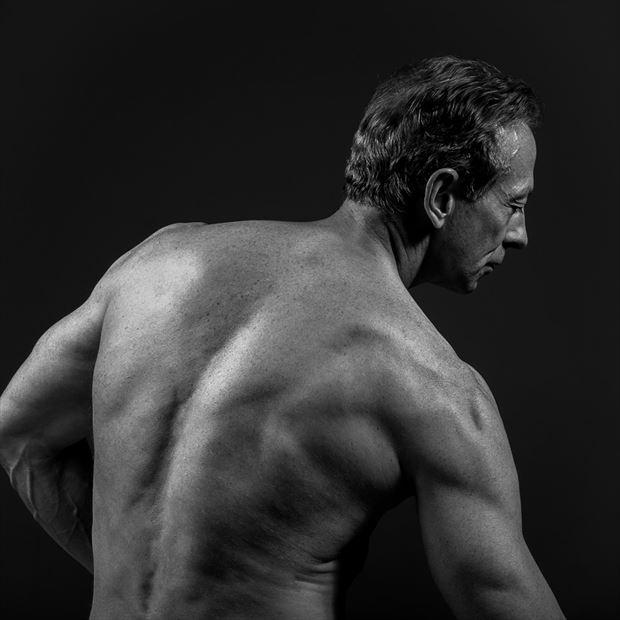 implied nude figure study photo by model artfitnessmodel