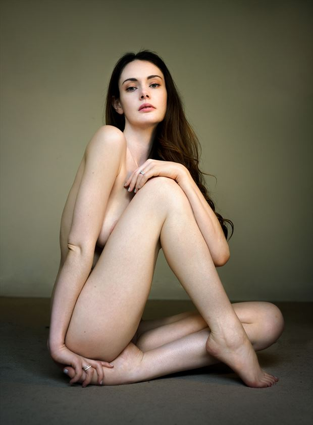 implied nude figure study photo by photographer ellis