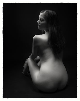 implied nude photo by photographer andreas fernandez