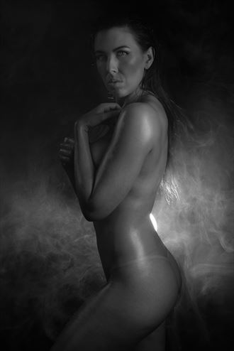 implied nude photo by photographer bradley delaney