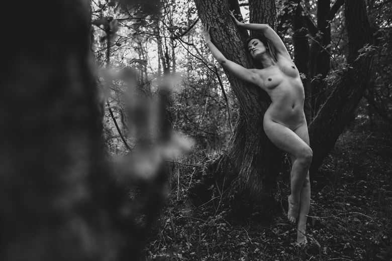 in love with a tree artistic nude photo by photographer looking_eye