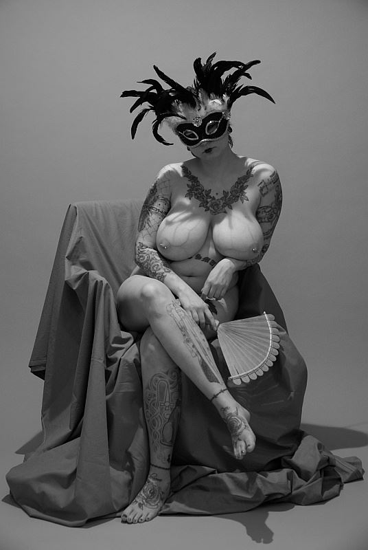 in modo teatrale artistic nude photo by photographer anders bildmakare