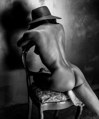 in the chair with the hat artistic nude photo by photographer gpstack