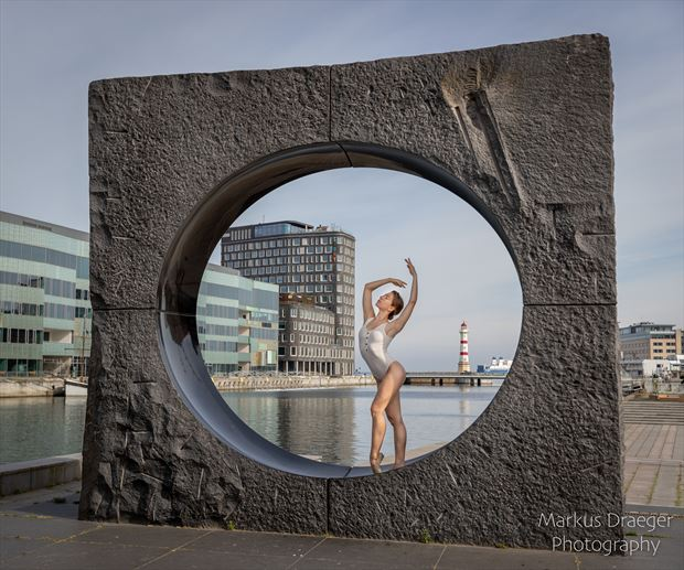 in the circle sensual photo by photographer mdraeger