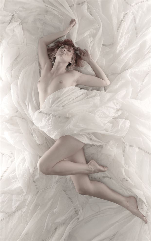 in the clouds  Artistic Nude Photo by Photographer Majo