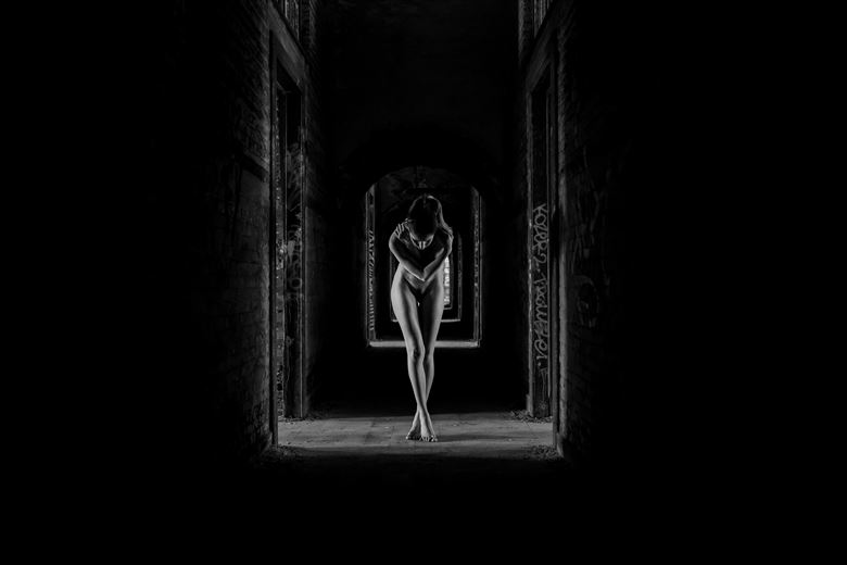 in the light artistic nude photo by photographer tris dawson